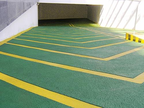 无震动环氧止滑车道地坪漆施工